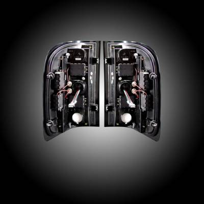 Recon Lighting - Chevy Silverado 07-13 1500 (2nd GEN Single-Wheel & 07-14 Dually) & GMC Sierra 07-14 (Dually Only) 2nd GEN Body Style OLED TAIL LIGHTS - Dark Red Smoked Lens - Image 3