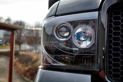 Recon Lighting - Ford Superduty 05-07 F250/F350/F450/F550 PROJECTOR HEADLIGHTS - Smoked / Black - Image 5