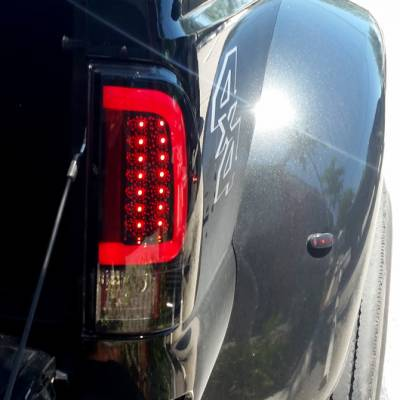 "Recon Lighting - Ford Superduty F250HD/350/450/550 99-07 & F150 97-03 Straight aka ""Style"" Side OLED Tail Lights - Dark Red Smoked Lens - Image 3"