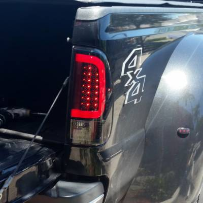 "Recon Lighting - Ford Superduty F250HD/350/450/550 99-07 & F150 97-03 Straight aka ""Style"" Side OLED Tail Lights - Red Lens - Image 3"