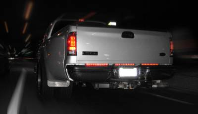 "Recon Lighting - 15"" Mini Tailgate Light Bar w/ Red LED Running Lights, Brake Lights, & Turn Signals with Red Lens (Only Fits FORD & CHEVY/GMC Turbo Diesel & Heavy Duty Trucks) - Image 4"